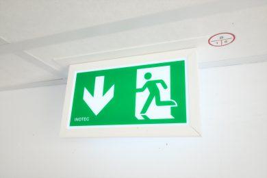 Fluchttürsteuerung